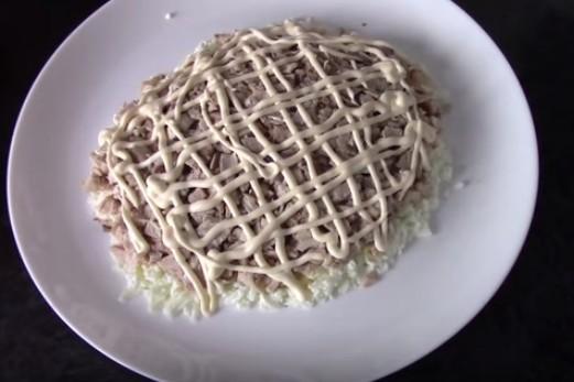 Салат черепаха лук майонез