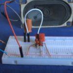 Простой звуковой генератор для телеграфного ключа. Три схемы.